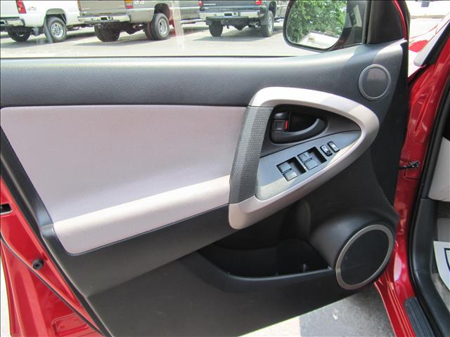 Image 37 of 2006 Toyota RAV4 Base…