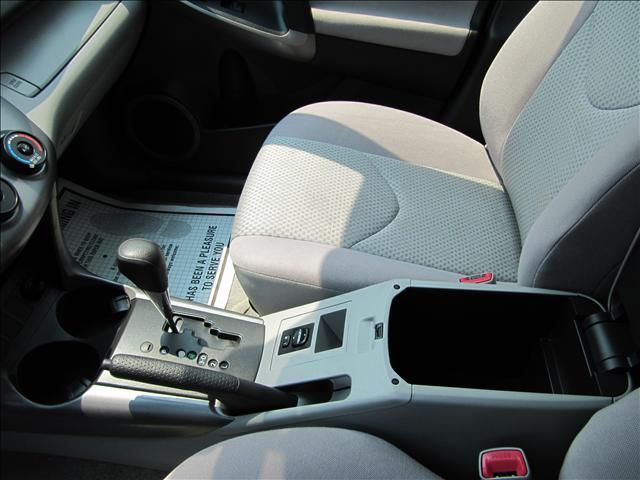 Image 41 of 2006 Toyota RAV4 Base…