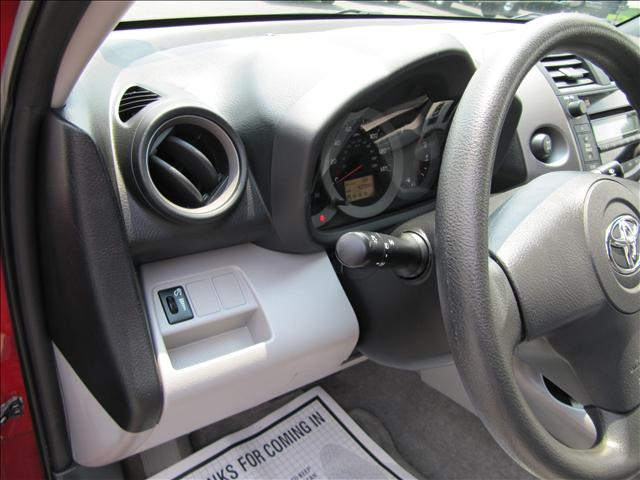 Image 44 of 2006 Toyota RAV4 Base…