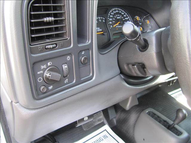Image 20 of 2006 GMC Sierra Base…