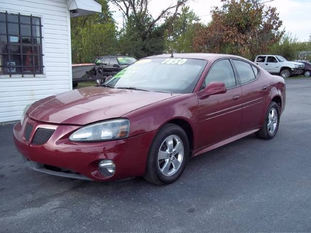 2005 Pontiac Grand Prix Base, (Stk #:312111). Price: $7850