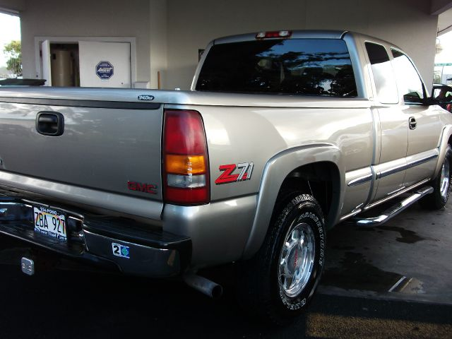 2000 GMC Sierra 1500 SLE Ext. Cab 4-Door Short Bed  - HILO HI