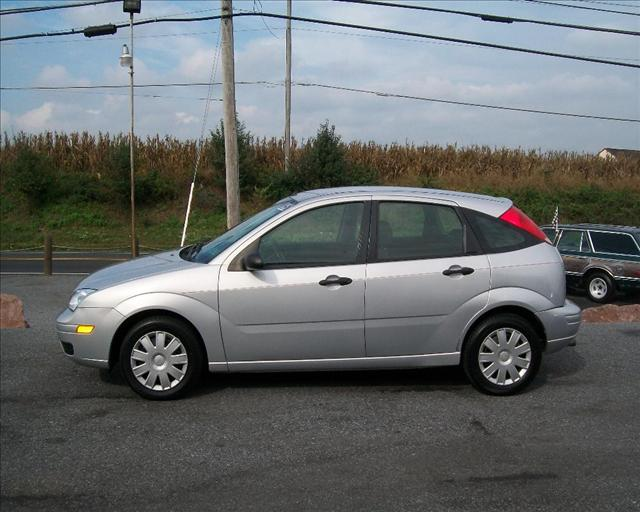 Image 7 of 2005 Ford Focus ZX5…