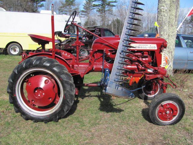 1951 International Cub http://www.lewismotorsalesonline.com/1951_International_Farmall%20_Brentwood_NH_149967364.veh