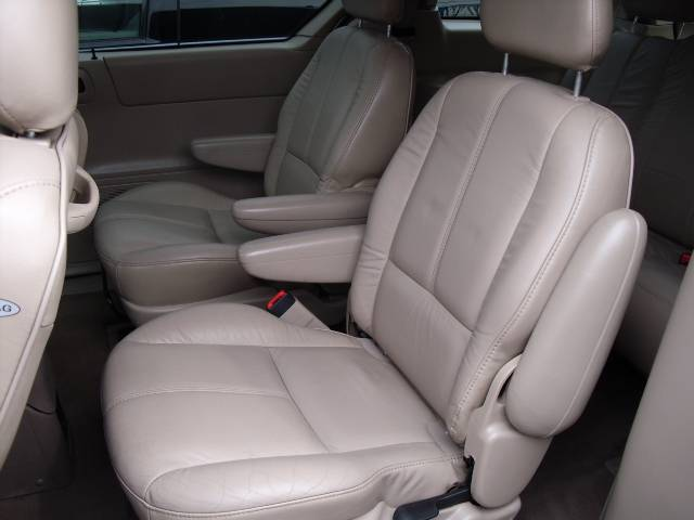 Image 15 of 2000 Ford Windstar SE…