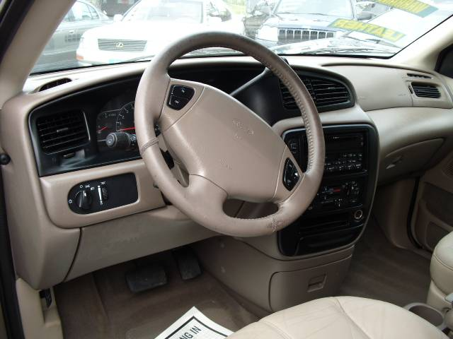 Image 24 of 2000 Ford Windstar SE…
