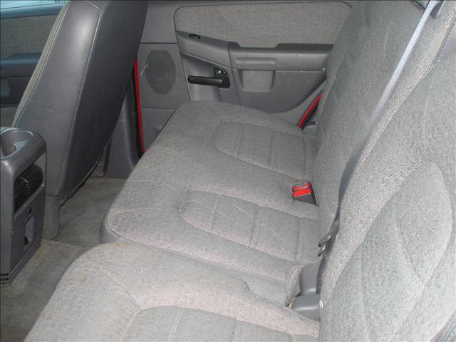 Image 15 of 2004 Ford Explorer 6-Cylinder…