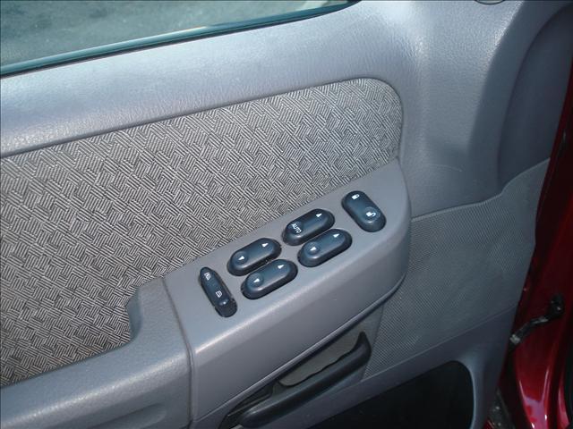 Image 16 of 2004 Ford Explorer 6-Cylinder…