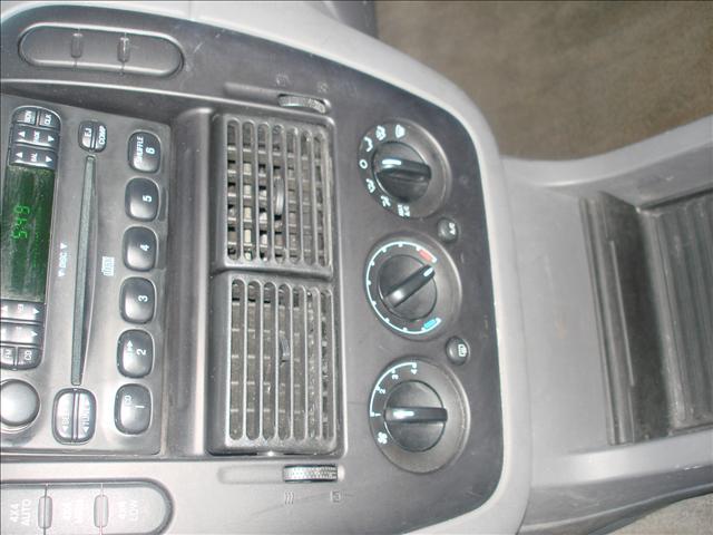 Image 19 of 2004 Ford Explorer 6-Cylinder…