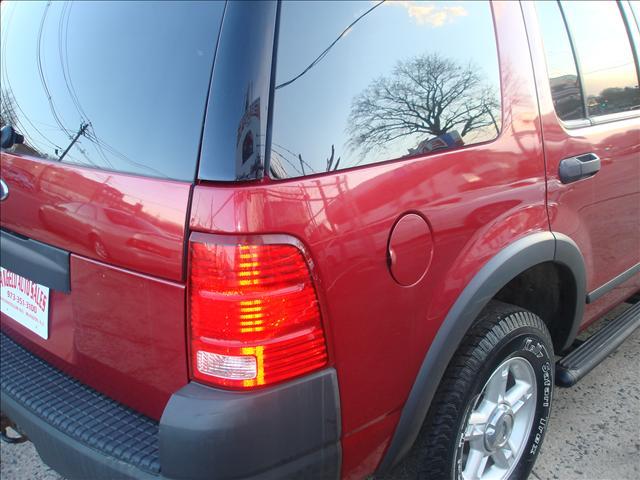 Image 28 of 2004 Ford Explorer 6-Cylinder…