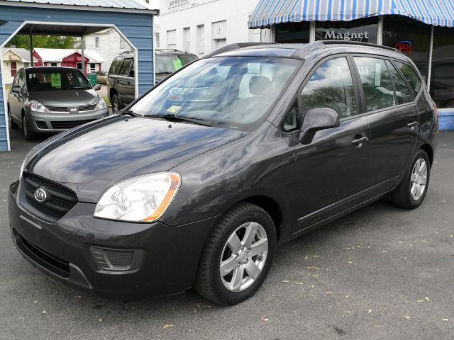 2007 Kia Rondo LX for sale.