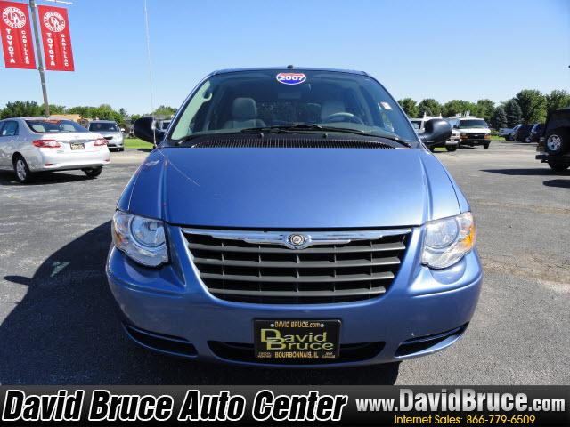 Image 8 of 2007 Chrysler Town &…