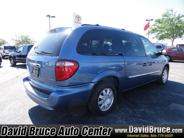Image 10 of 2007 Chrysler Town &…