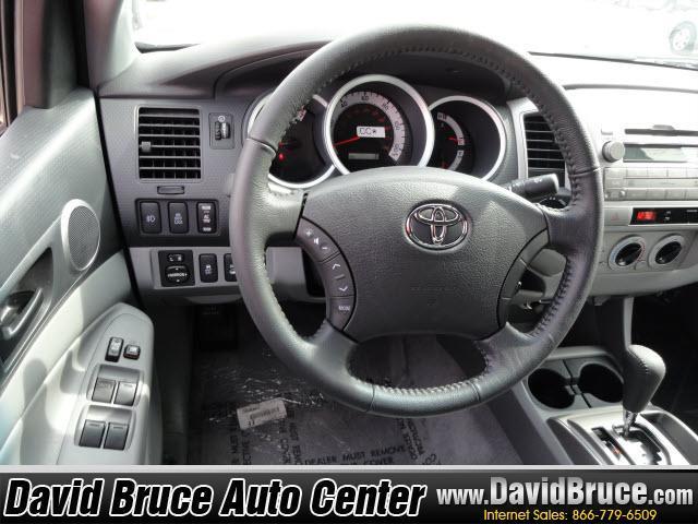 Image 14 of 2011 Toyota Tacoma 4WD…