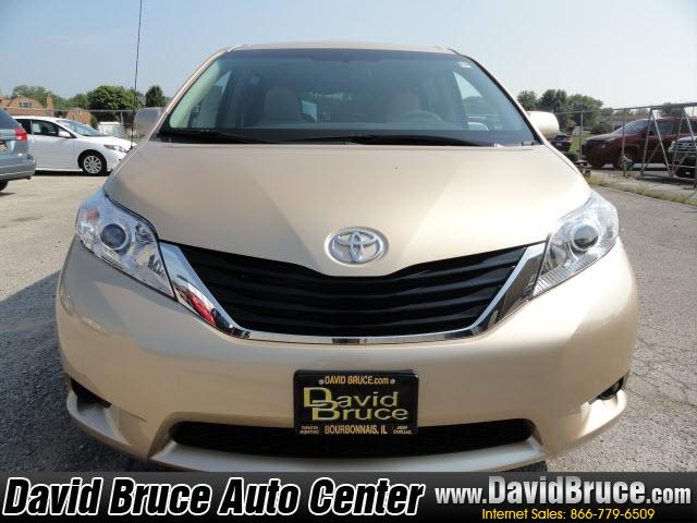 Image 8 of 2011 Toyota Sienna LE…