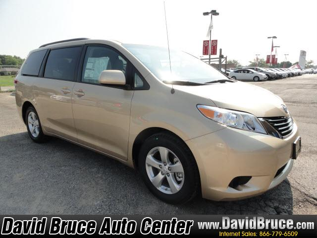 Image 9 of 2011 Toyota Sienna LE…