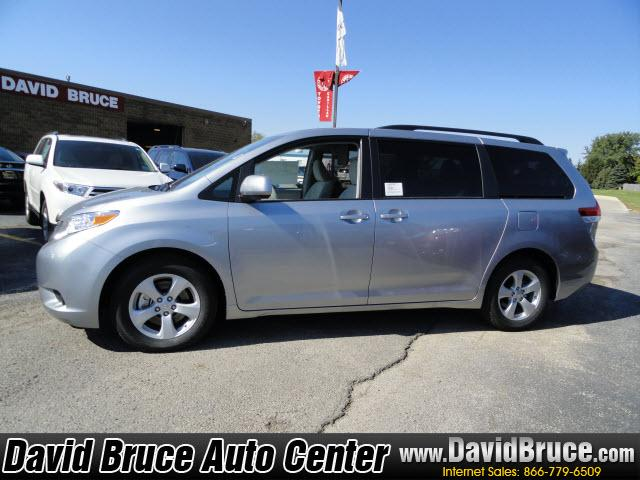 Image 12 of 2011 Toyota Sienna LE…