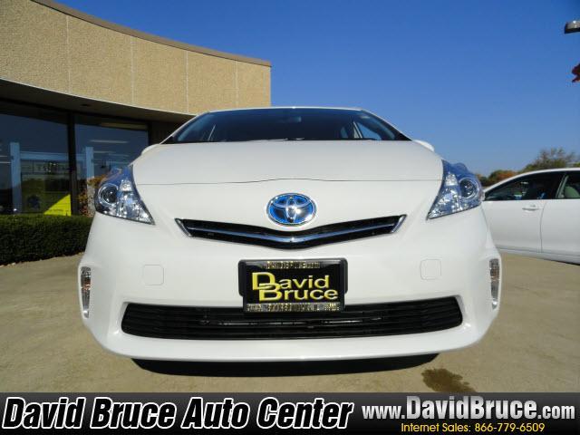 Image 18 of 2012 Toyota Prius V…