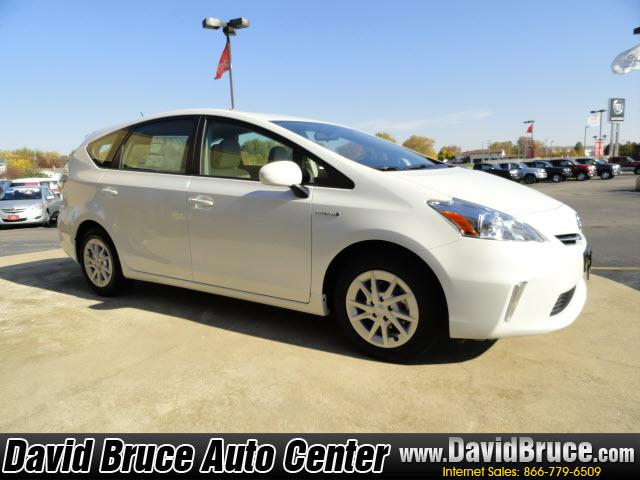 Image 19 of 2012 Toyota Prius V…