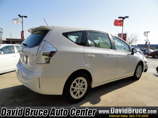 Image 20 of 2012 Toyota Prius V…