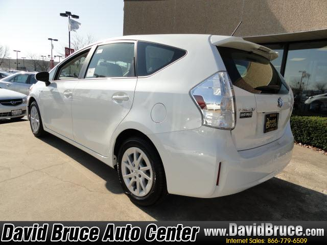 Image 21 of 2012 Toyota Prius V…