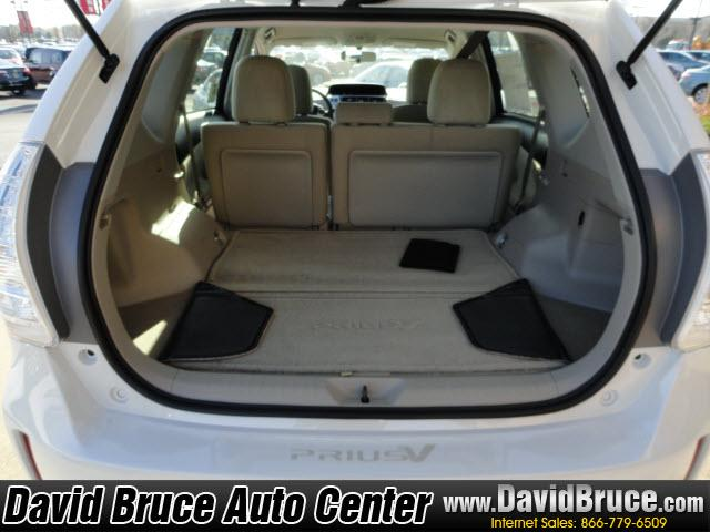 Image 23 of 2012 Toyota Prius V…