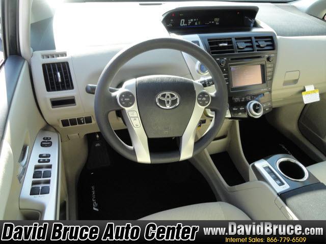 Image 24 of 2012 Toyota Prius V…