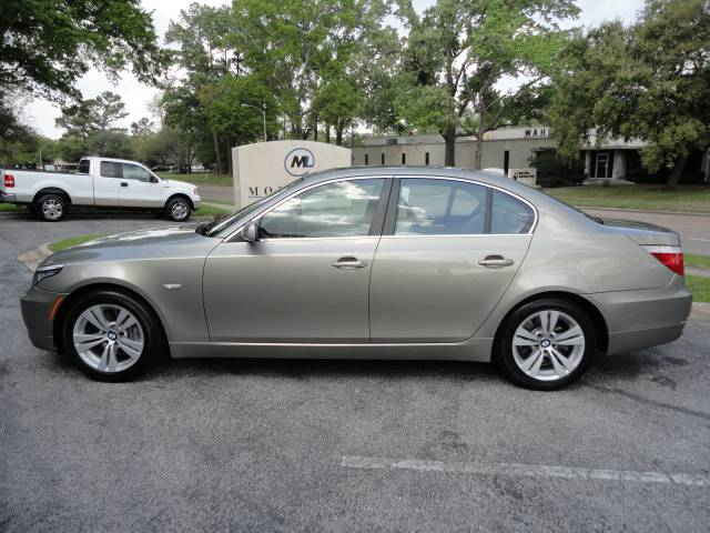 used 2009 bmw 5 series for sale 3815 dacoma st houston tx 77092 usa used cars for sale. Black Bedroom Furniture Sets. Home Design Ideas