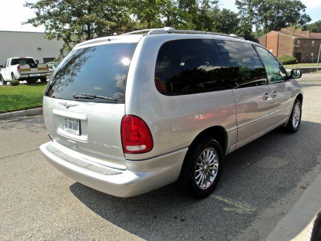 2000 Chrysler Town &amp; Country Limited - Norfolk VA