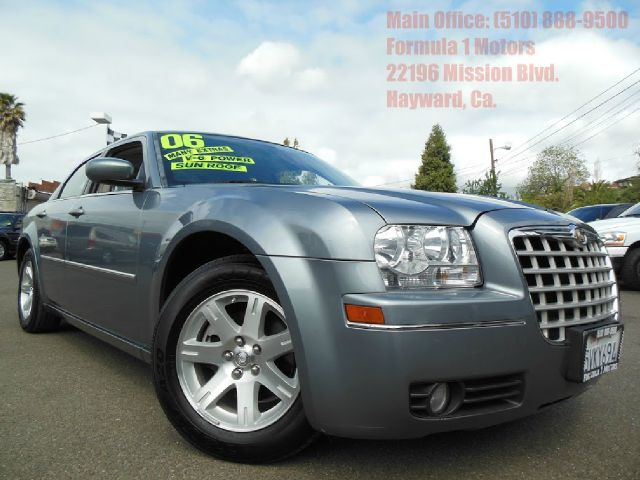 2006 CHRYSLER 300 TOURING blue 35l 24v automatic moon roof vinyl seats abs brakesair condition
