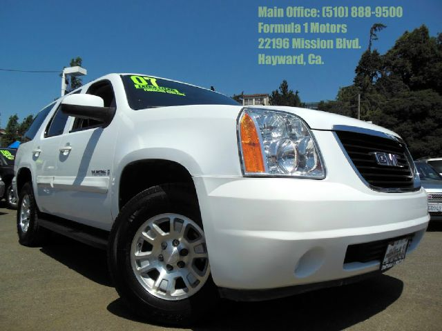 2007 GMC YUKON SLE-1 2WD white 53l v8 automatic 3rd row seating abs brakesair conditioningallo