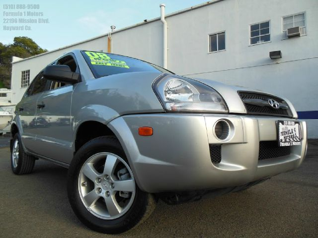 2008 HYUNDAI TUCSON GLS 20 2WD silver 20l 16v automatic abs brakesair conditioningalloy wheels