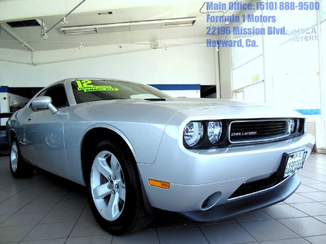 2012 DODGE CHALLENGER SXT silver 36l v6 automatic sxt very low miles  like new   t