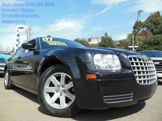 2007 CHRYSLER 300 V6 black v6 automatic moon roof air conditioningamfm radioanti-brake system