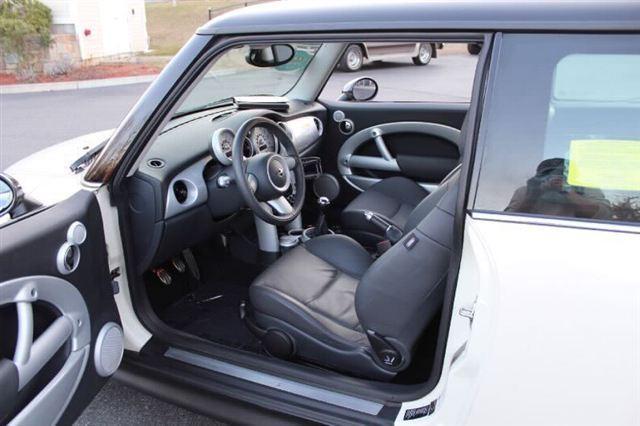 Image 2 of 2005 MINI Cooper Hatchback…