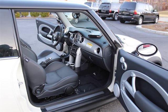 Image 13 of 2005 MINI Cooper Hatchback…