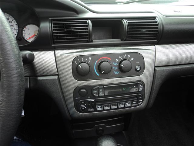 Image 6 of 2004 Chrysler Sebring…