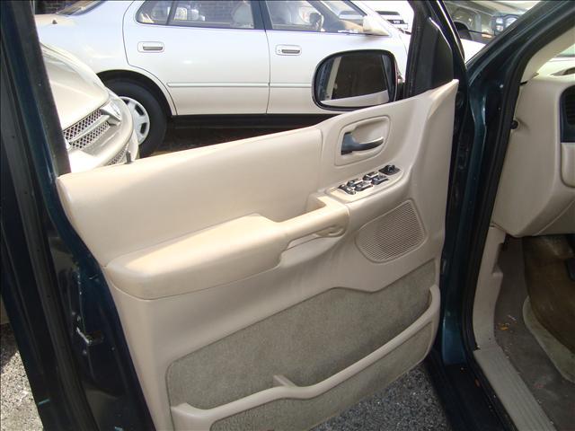 Image 4 of 2001 Ford Windstar SE…