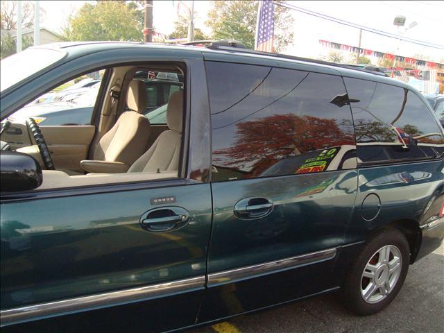 Image 17 of 2001 Ford Windstar SE…