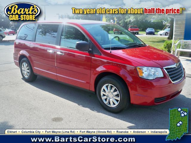 Image 1 of 2008 Chrysler Town &…