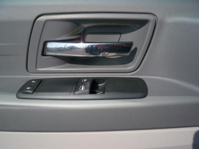 Image 4 of 2008 Chrysler Town &…
