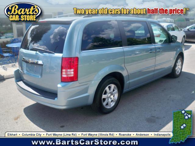 Image 5 of 2008 Chrysler Town &…