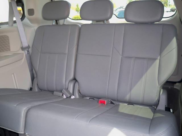 Image 8 of 2008 Chrysler Town &…
