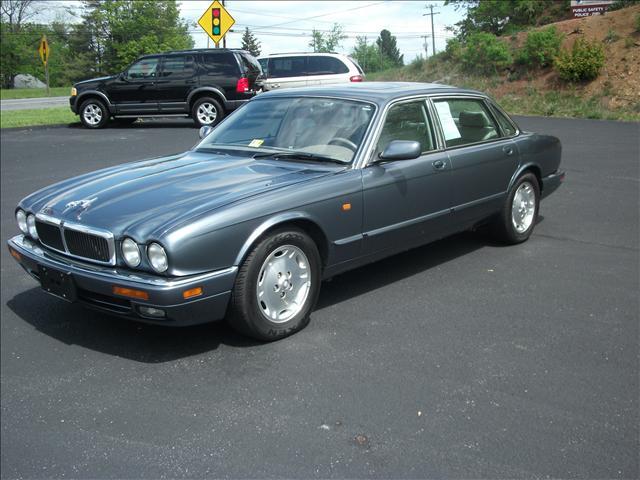 used 1997 jaguar xj6 for sale 3809 s main st blacksburg va 24060 used cars for sale. Black Bedroom Furniture Sets. Home Design Ideas