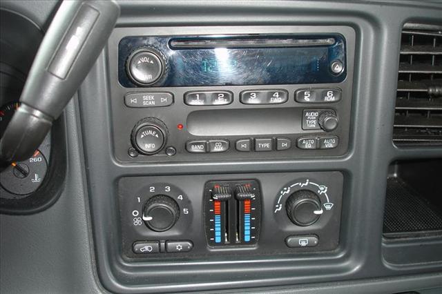 Image 7 of 2006 GMC Sierra SLE…