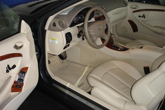 Image 8 of 2008 Mercedes-Benz CLK…