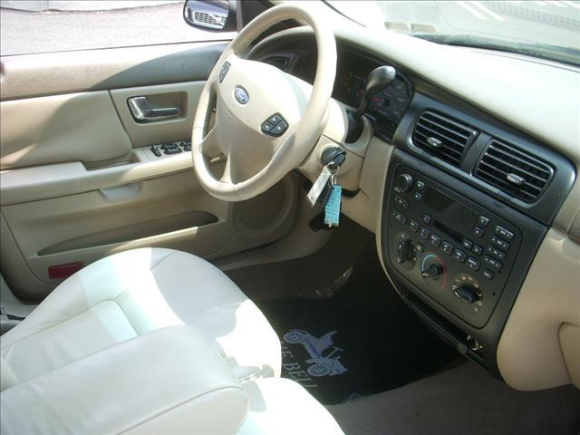 Image 15 of 2000 Ford Taurus SE…