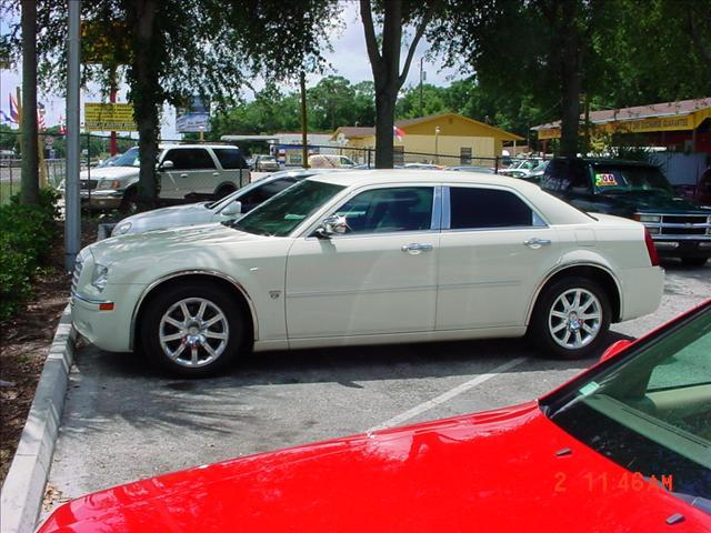 used 2007 chrysler 300c for sale 2000 w colonial dr orlando fl 32804 used cars for sale. Black Bedroom Furniture Sets. Home Design Ideas