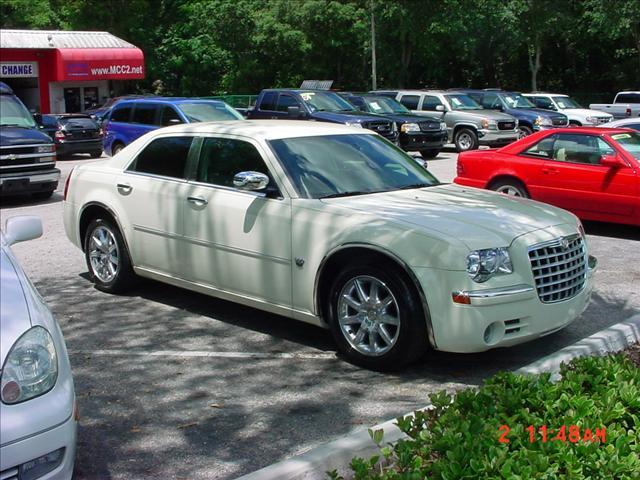 2007 chrysler 300c 2000 w colonial dr orlando fl 32804 cheap used cars for sale by owner