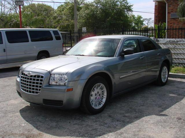 used 2008 chrysler 300 for sale 2000 w colonial dr orlando fl 32804 used cars for sale. Black Bedroom Furniture Sets. Home Design Ideas